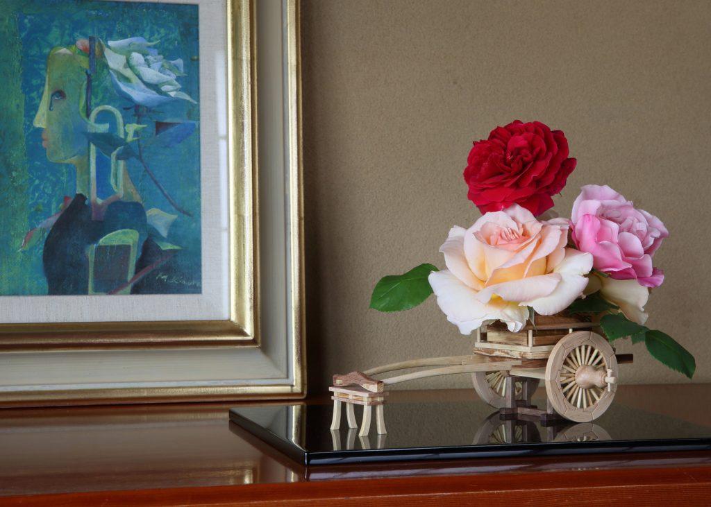 Rose Flower Arrangement with Rose Hanaguruma Top01:花車を使ったバラの生け花 Top1