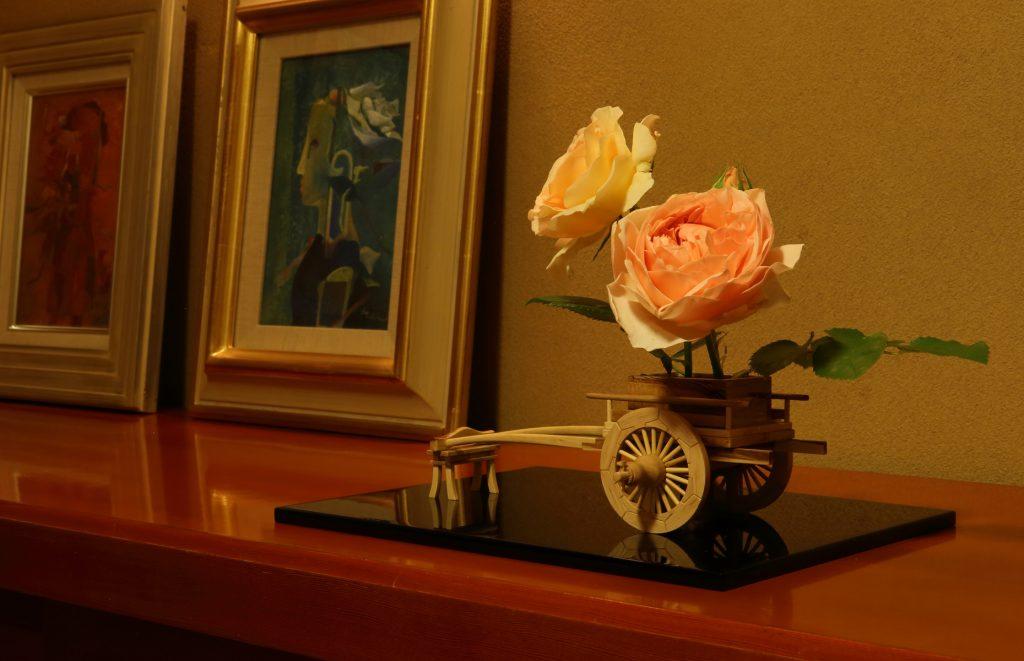 Rose Flower Arrangement with Rose Hanaguruma 10:花車を使ったバラの生け花 作例10