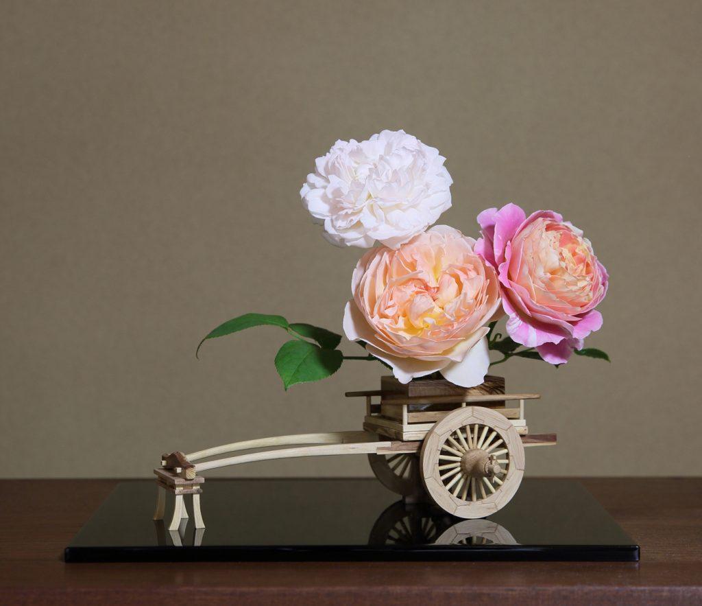 Rose Flower Arrangement with Rose Hanaguruma 08:花車を使ったバラの生け花 作例8