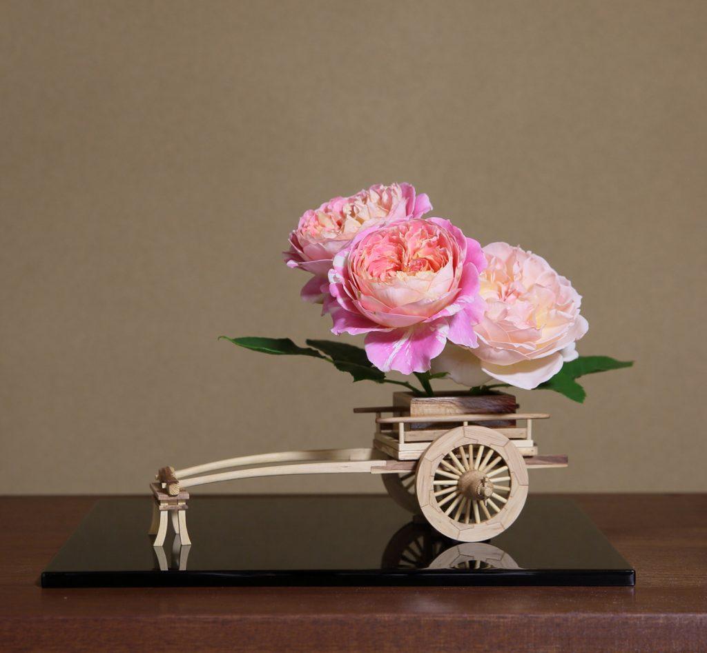 Rose Flower Arrangement with Rose Hanaguruma Top02:花車を使ったバラの生け花 Top2
