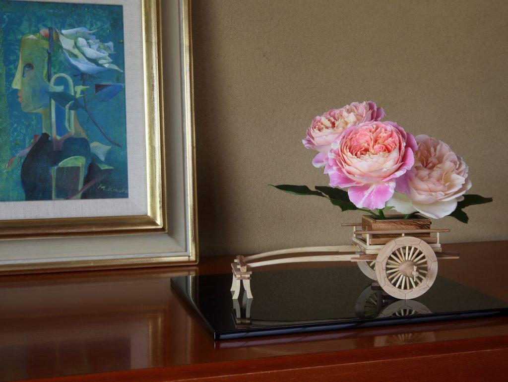Rose Flower Arrangement with Rose Hanaguruma 09-2:花車を使ったバラの生け花 作例9-2