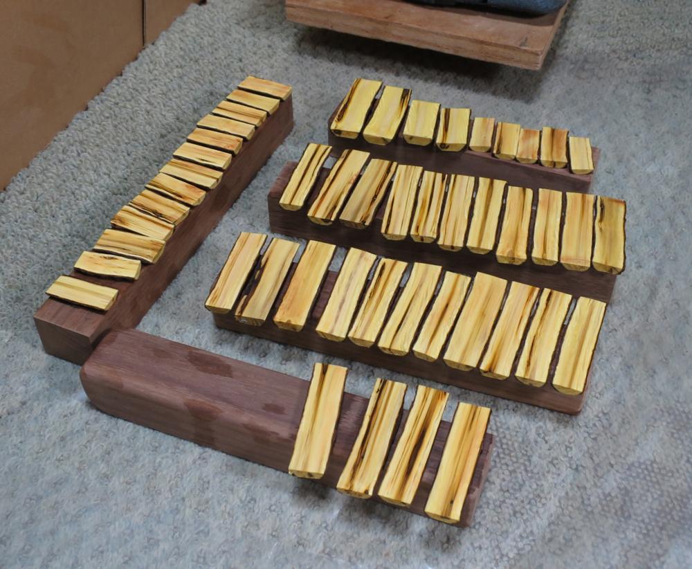 ナンテンによる櫛の製作:強化のための木固め
