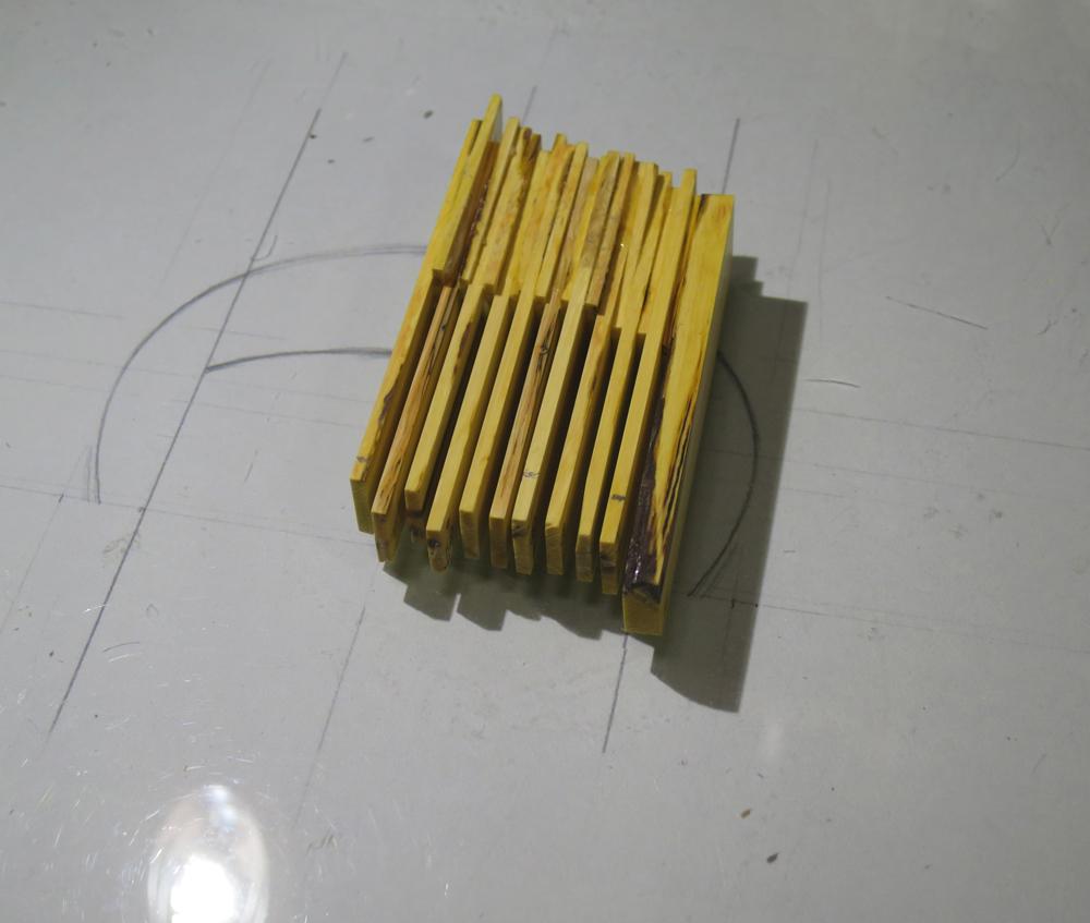 ナンテンによる櫛の製作:パーツの接着2