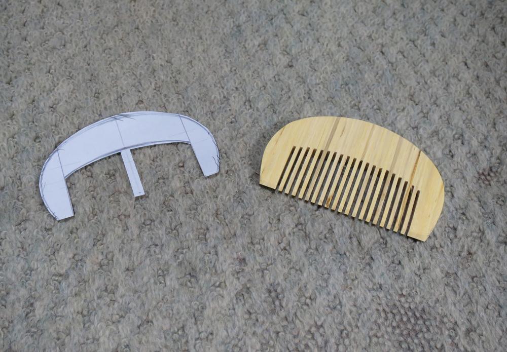 ナンテンによる櫛の製作:整形作業3