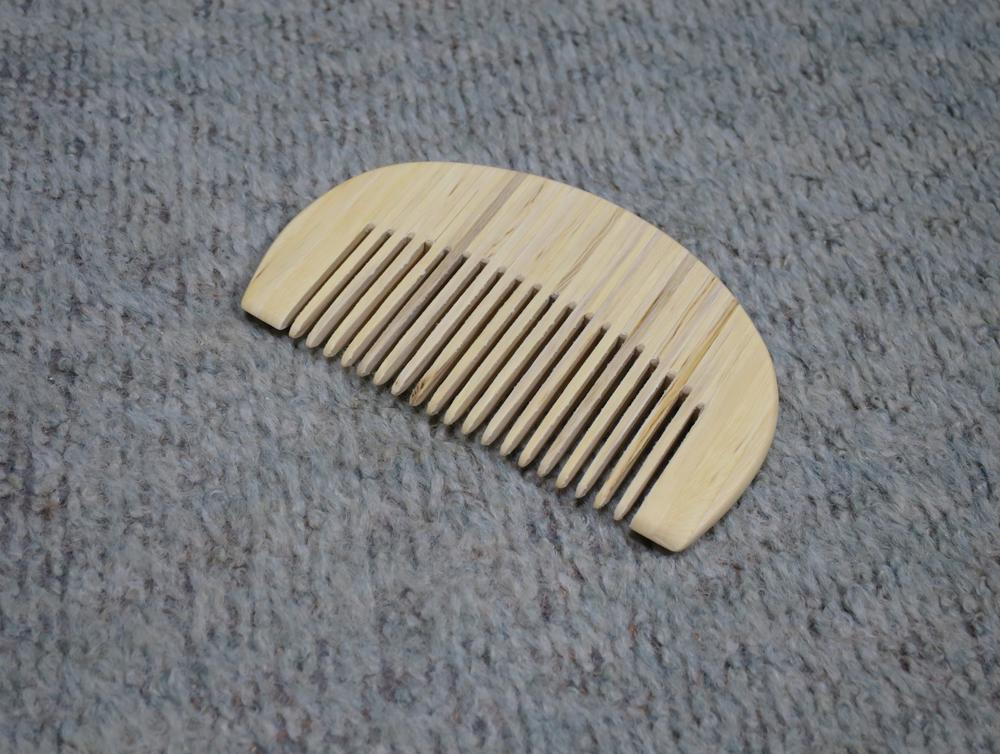 ナンテンによる櫛の製作:整形終了